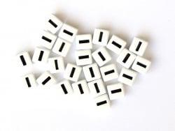 Acheter 1 perle tuile carrée en métal de 7x7 mm - Lettre I - 0,69€ en ligne sur La Petite Epicerie - Loisirs créatifs