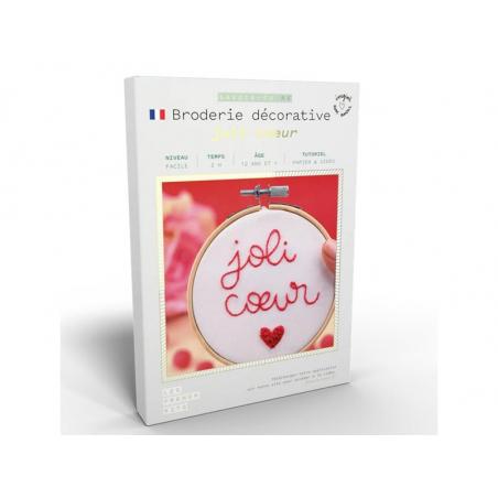 Acheter Kit de broderie décorative - Joli coeur - Les French Kits - 15,99€ en ligne sur La Petite Epicerie - Loisirs créatifs