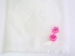 Acheter 1 sachet plastique - Noeuds blancs - 0,29€ en ligne sur La Petite Epicerie - Loisirs créatifs
