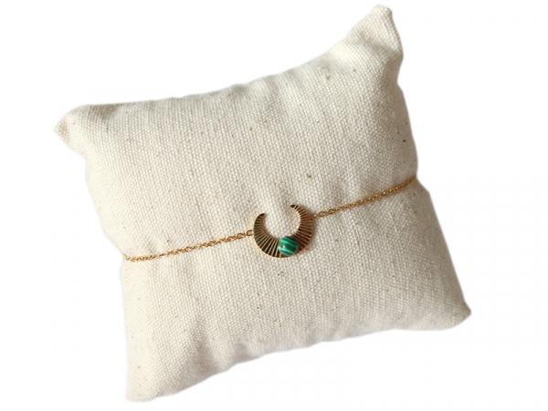 Acheter Bracelet croissant de lune - cabochon malachite - 13,99€ en ligne sur La Petite Epicerie - Loisirs créatifs