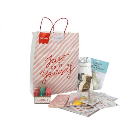 Acheter Boite surprise créative - déco de fête - 40,00€ en ligne sur La Petite Epicerie - Loisirs créatifs