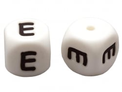 Acheter 1 perle carré 12 mm en silicone - Lettre E - 0,99€ en ligne sur La Petite Epicerie - Loisirs créatifs