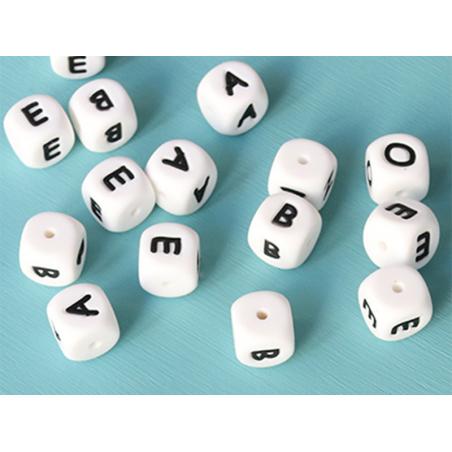 Acheter 1 perle carré 12 mm en silicone - Lettre W - 0,99€ en ligne sur La Petite Epicerie - Loisirs créatifs