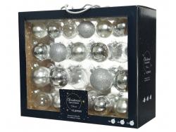 Acheter Coffret de 42 boules en verre et à paillettes - tons argent - tailles assorties - 29,99€ en ligne sur La Petite Epic...