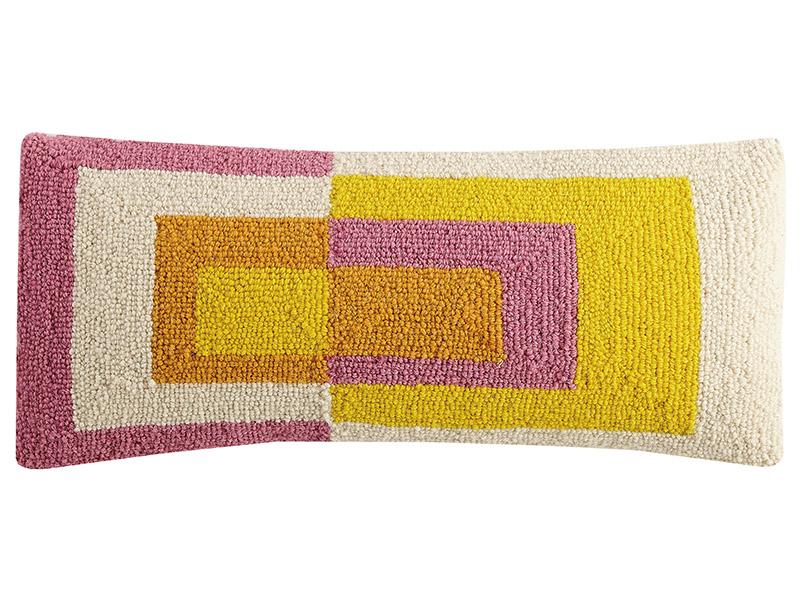 """Acheter Coussin punch needle """"Géométries - couleurs chaudes"""" rectangle - 22,8 x 55,8 cm - 35,99€ en ligne sur La Petite Epic..."""