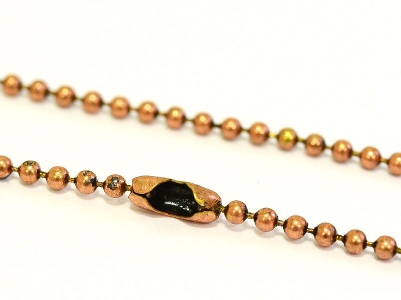 Caramel-coloured ball necklace - 60 cm