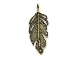 1 big, bronze-coloured feather charm