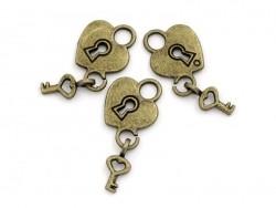 1 herzförmiger Schlossanhänger mit passendem Schlüssel - bronzefarben