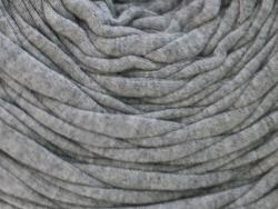 Acheter Grande bobine de fil trapilho - gris chiné clair - 7,90€ en ligne sur La Petite Epicerie - Loisirs créatifs