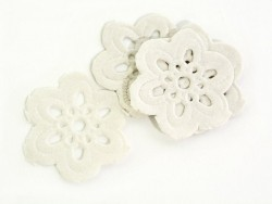 20 mini flower-shaped doilies - 2 cm