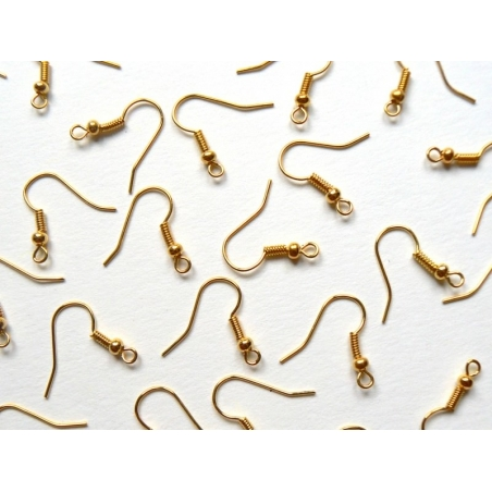10 pairs of gold-coloured earrings