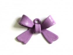 1 lilac bow charm