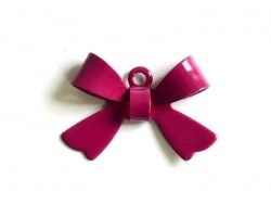 1 plum-coloured bow charm