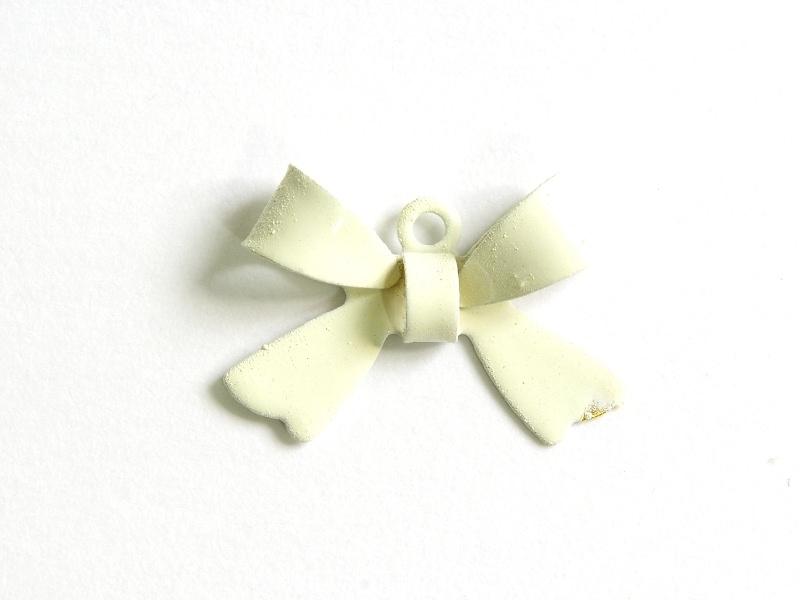 Acheter 1 Breloque noeud blanc - 1,09€ en ligne sur La Petite Epicerie - Loisirs créatifs