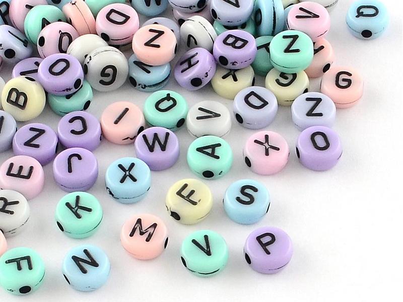 Acheter 200 perles rondes en plastique - lettres alphabet - couleurs pastelles - 1,99€ en ligne sur La Petite Epicerie - Loi...