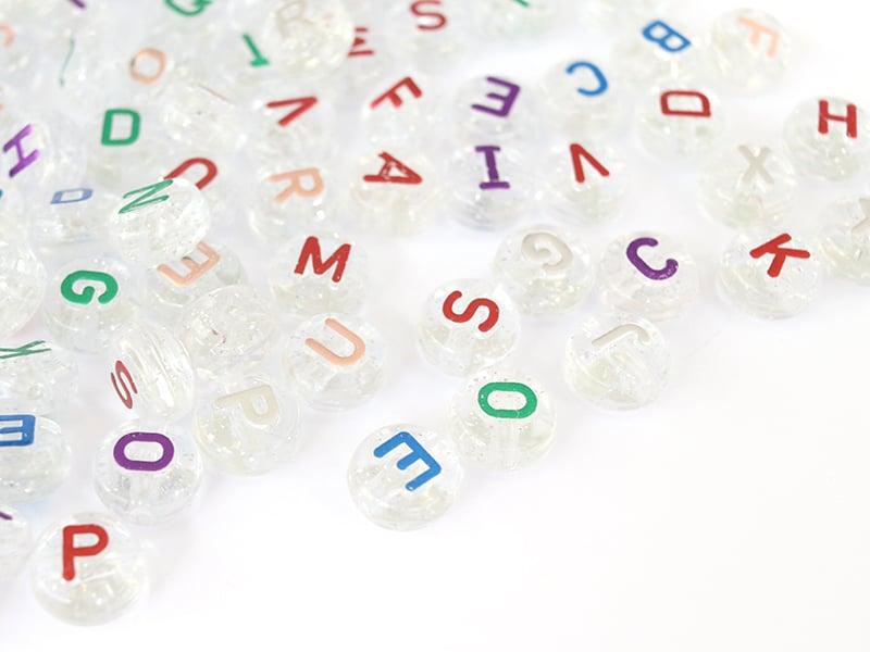 Acheter 200 grosses perles rondes en plastique transparent à paillettes argentées - lettres alphabet - multicolore - 7,99€ e...