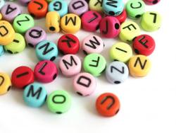 Acheter 200 perles rondes en plastique - lettres alphabet - multicolore fo - 2,99€ en ligne sur La Petite Epicerie - Loisirs...