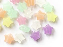 Acheter 50 perles en plastique - étoiles - phosphorescent / brille dans le noir - 4,49€ en ligne sur La Petite Epicerie - Lo...