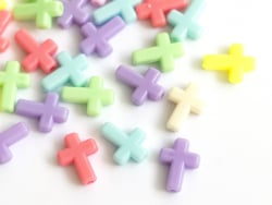 Acheter 50 perles en plastique - croix pastelles - 2,99€ en ligne sur La Petite Epicerie - Loisirs créatifs
