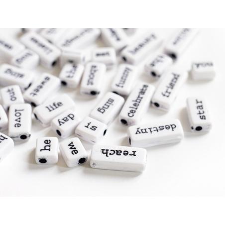 Acheter 50 perles en plastique - mots - noir et blanc - 6,99€ en ligne sur La Petite Epicerie - Loisirs créatifs