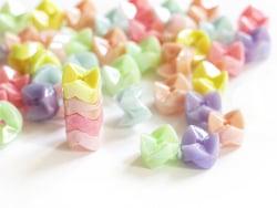 Acheter 50 perles en plastique empilables - multicolores pastelles nacrées - 2,49€ en ligne sur La Petite Epicerie - Loisirs...