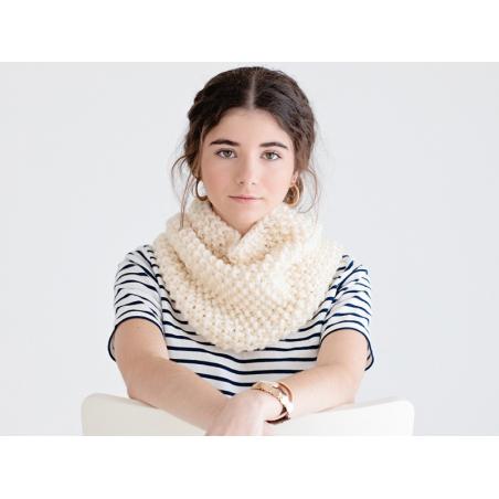 Acheter Kit tricot - Snood à grosses mailles - 34,99€ en ligne sur La Petite Epicerie - Loisirs créatifs