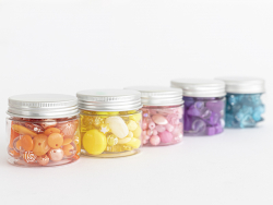 Acheter Pot de perles en plastique - nuances d'orange - 4,49€ en ligne sur La Petite Epicerie - Loisirs créatifs