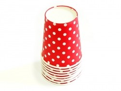 8 Pappbecher - rot mit weißen Punkten