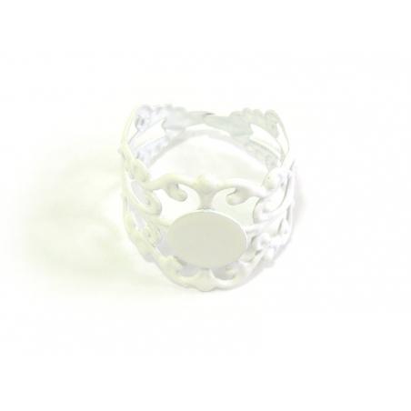 Acheter 1 support de bague ajouré blanc - 2,19€ en ligne sur La Petite Epicerie - Loisirs créatifs