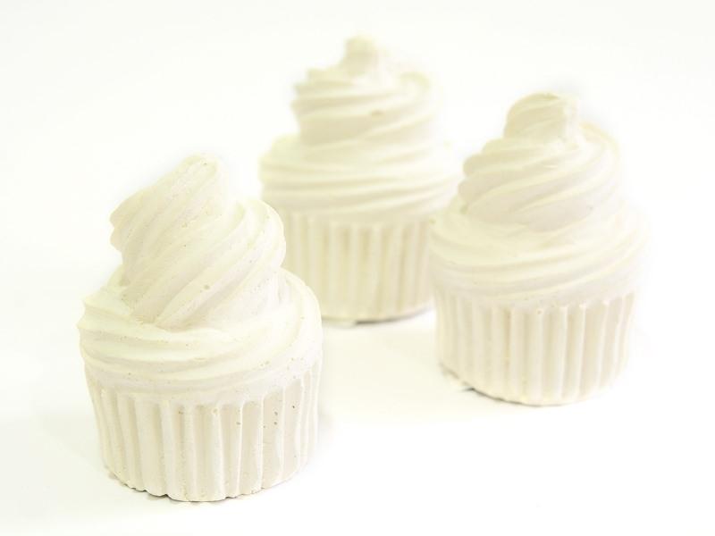 Acheter Support en plâtre à peindre - cupcake - 1,39€ en ligne sur La Petite Epicerie - 100% Loisirs créatifs