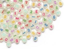 Acheter 200 perles rondes en plastique - chiffres et numéros - phosphorescent et multicolore - 7 mm - 3,99€ en ligne sur La ...