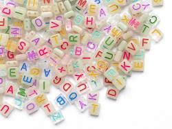Acheter 200 perles tuiles en plastique dépoli - lettres alphabet multicolores - 8 mm - 4,99€ en ligne sur La Petite Epicerie...