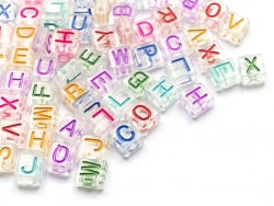 Acheter 200 perles tuiles en plastique transparent - lettres alphabet multicolores - 8 mm - 4,99€ en ligne sur La Petite Epi...