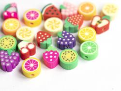 Acheter 20 perles en pâte polymère - fruits variés - 1,99€ en ligne sur La Petite Epicerie - Loisirs créatifs