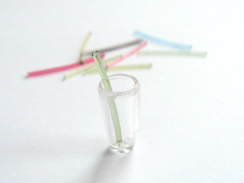 20 petites pailles en plastique  - 1