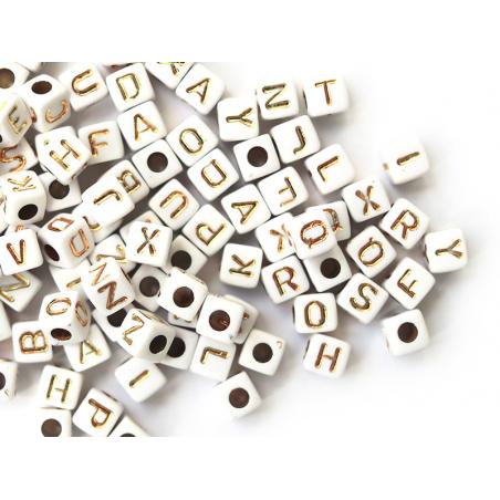 Acheter 200 mini perles carrées - cubes en plastique - lettres alphabet - blanc et doré - 4,5 mm - 3,99€ en ligne sur La Pet...