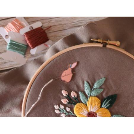 Acheter Porte aiguille aimanté – Poire - 9,00€ en ligne sur La Petite Epicerie - Loisirs créatifs