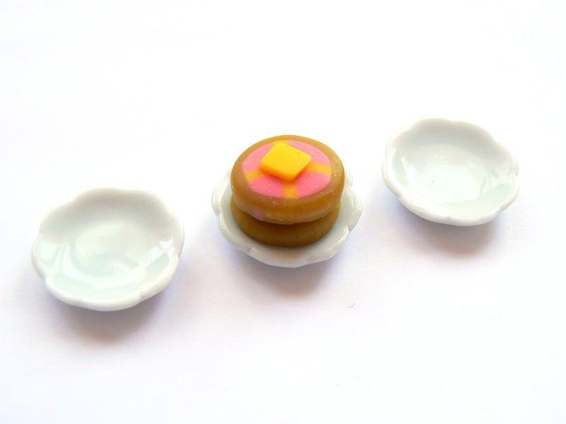 Flower-shaped plate - 1.7 cm