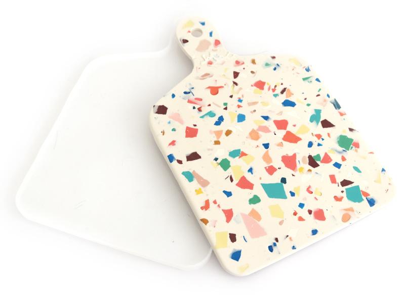 Acheter Moule en silicone - Planche à découper avec manche - 10,49€ en ligne sur La Petite Epicerie - Loisirs créatifs