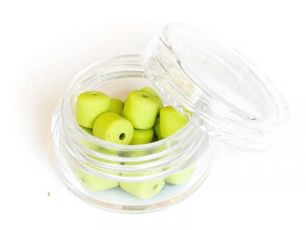 Acheter Boite de perles tubes Heishi 6 mm - vert pomme - 1,99€ en ligne sur La Petite Epicerie - Loisirs créatifs