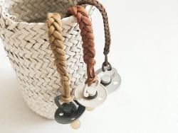 Acheter Tétine bibs - Taille 6-18 mois - Bordeaux - 3,99€ en ligne sur La Petite Epicerie - Loisirs créatifs