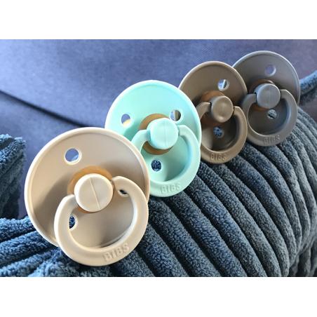 Acheter Tétine bibs - Taille 6-18 mois - Beige vanille - 3,99€ en ligne sur La Petite Epicerie - Loisirs créatifs