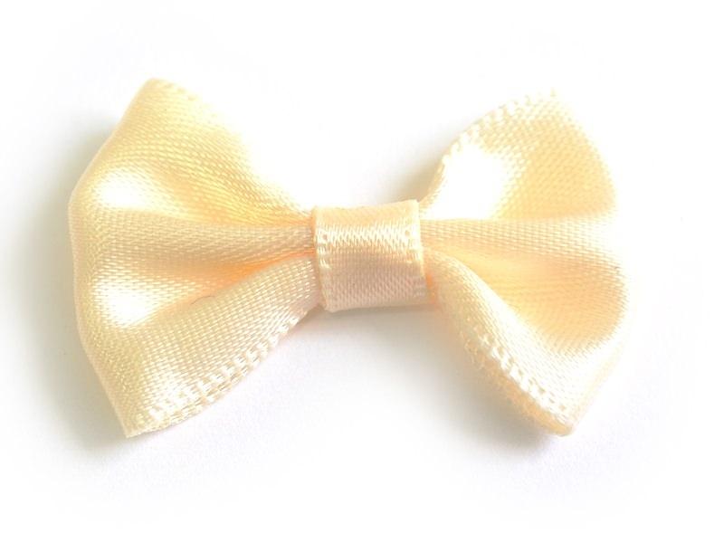 Cream-coloured bow - 3.5 cm