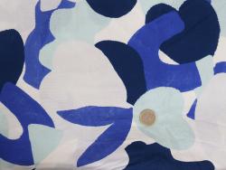 Acheter Tissu viscose – Bubble gum bleu - Exclusivité La Petite Epicerie - 1,99€ en ligne sur La Petite Epicerie - Loisirs c...
