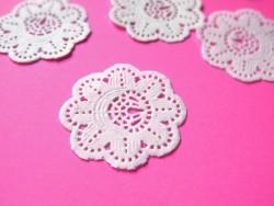 20 mini napperons en papier 3,2 cm