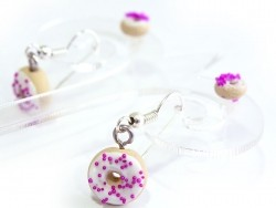 Display stand for 2 pairs of earrings