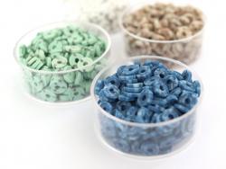 Acheter Boite de perles rondelles heishi 6 mm - bleu nature imitation pierre - 1,99€ en ligne sur La Petite Epicerie - Loisi...
