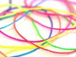 Rolle mit Nylonfaden in bunten Neonfarben - 180 M