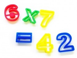 15 biscuit cutters - Numbers