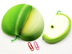 Fruit-shaped notepad - green apple